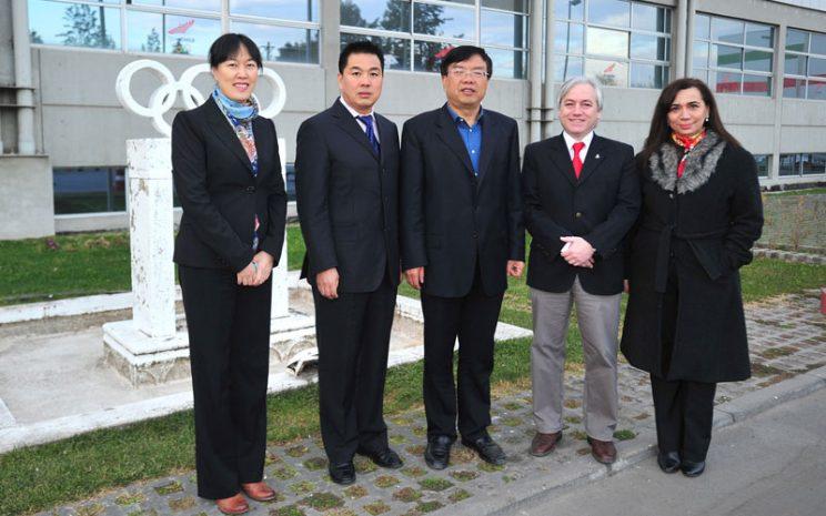 Visita delegación Beijing Sport University a Santo Tomás