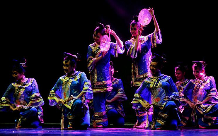 Conjunto de Canto y danza jilin, año nuevo chino 2016