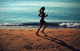 La playa puede ser un lugar ideal para realizar ejercicios