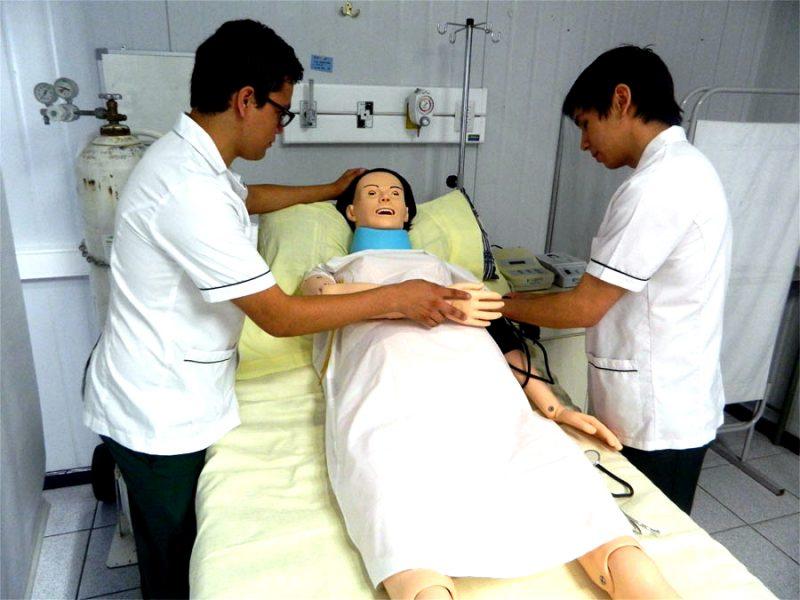 Sala de simulación clínica CFT puente alto