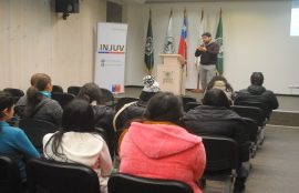 Estudiantes ovallinos protagonizan debate sobre la despenalización y consumo de cannabis sativa en un desayuno público organizado por INJUV y SENDA.