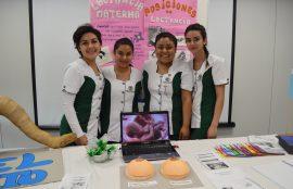 Las estudiantes de Técnico en Enfermería Gineco-Obstétrica y Neonatal (Tegyn) explicaron el funcionamiento de los órganos del humano, incluyendo el aparato reproductor y el proceso de formación de un feto.