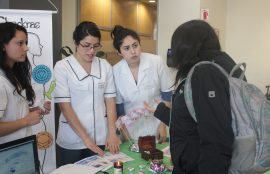 Alumnas CFT Santo Tomás realizaron la feria de Medicina Complementaria