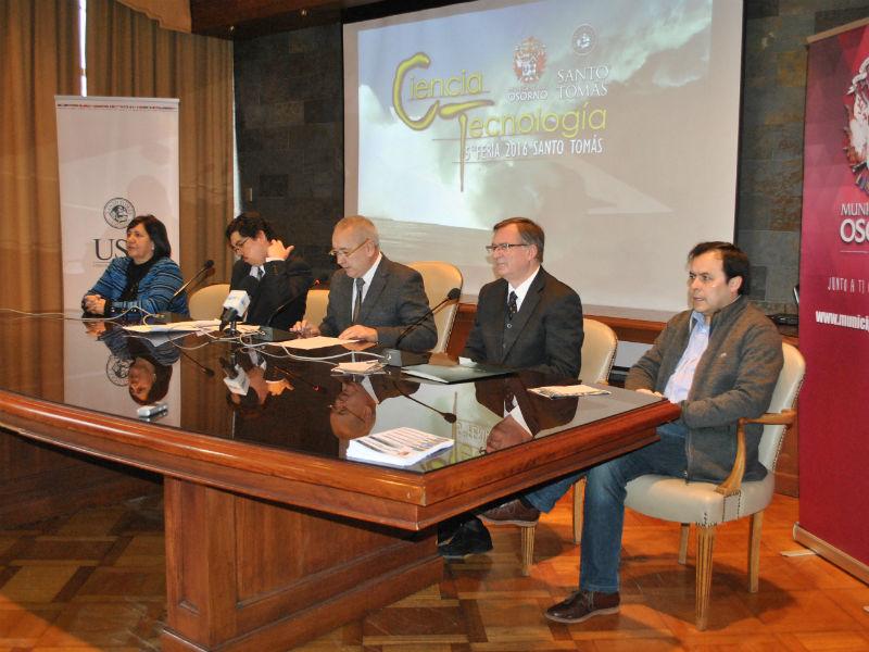 Dr. Héctor Pavés, director del programa de Bachillerato en Ciencias de la UST