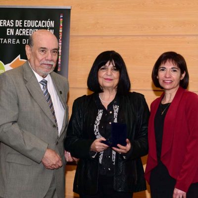 José Weinborn, Cynthia Duk -expositora- y Sandra Catalán