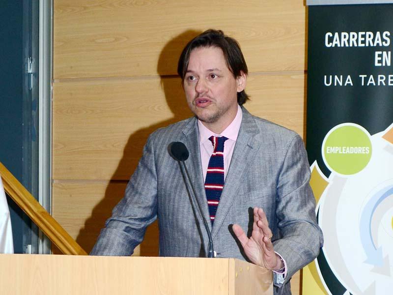 Jorge Carpinelli, director de Investigación Aplicada e Innovación de Universidad Santo Tomás