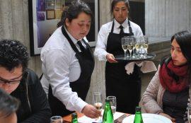 Alumnas de Gastronomía Internacional y Tradicional Chilena durante el maridaje