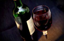 Las cualidades del vino crecen día a día, e incluso su consumo de forma moderada tiene excelentes características para nuestro organismo.