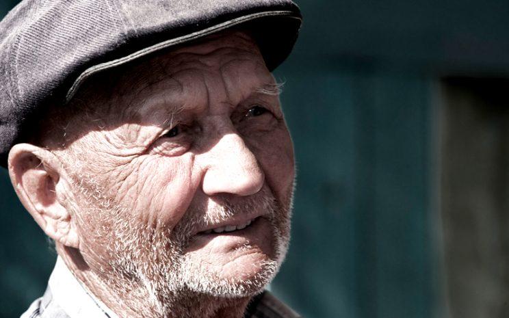 adulto mayor en chile