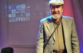 Poeta Manuel Silva en la Feria del Libro y las Artes de Santo Tomás en Osorno