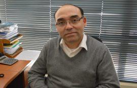 Manuel Alarcón, docente que forma parte del equipo interdicipliario contra la obesidad mórbida