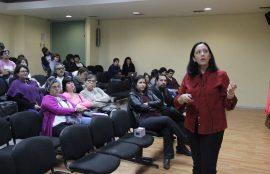 La charlista María José García durante su presentación.