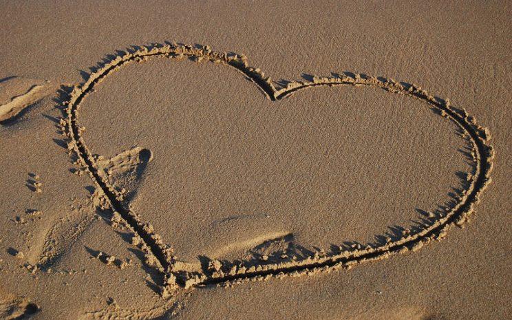 Para no empezar el año deprimido por una relación que no funcionó, los expertos entregan recomendaciones para superar un amor de verano.