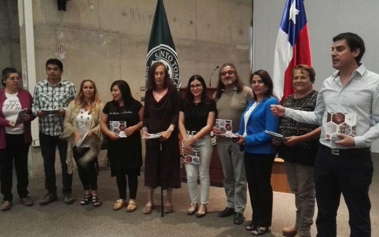 Los beneficiarios del proyecto durante el lanzamiento del catálogo.