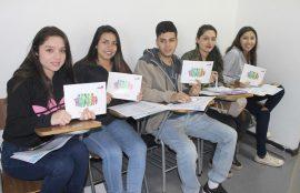 estudiantes reciben capacitación censo 2017