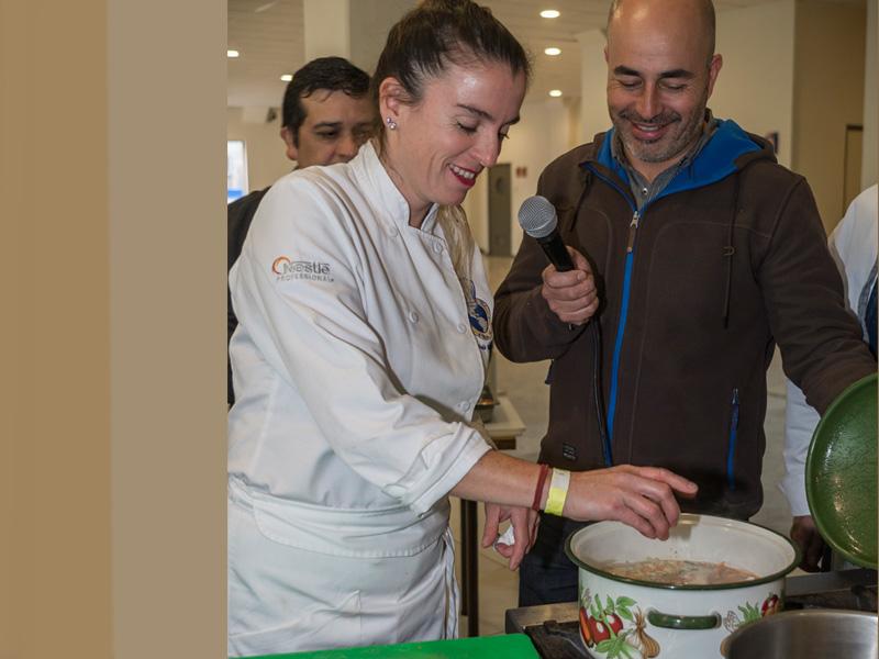 Seminario Gastronomía Cahuín Santo Tomás