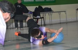 persona con discapacidad practica goalball