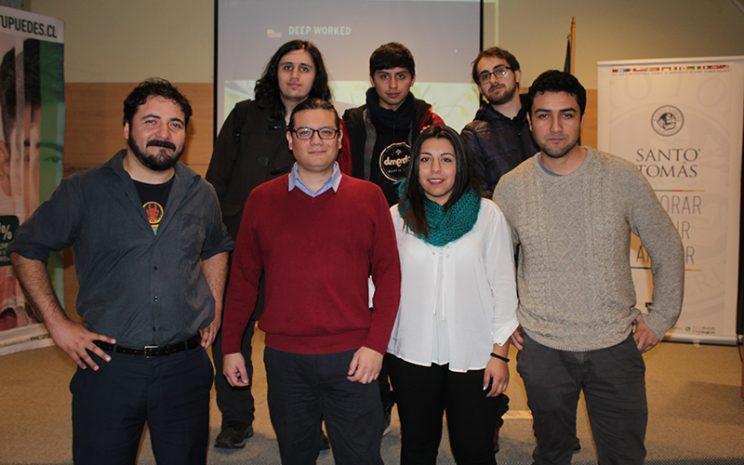 Foto grupal con equipo de Deep Worked