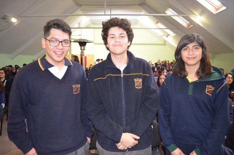 Franco Soto, Joaquín González y Camila Hermosilla