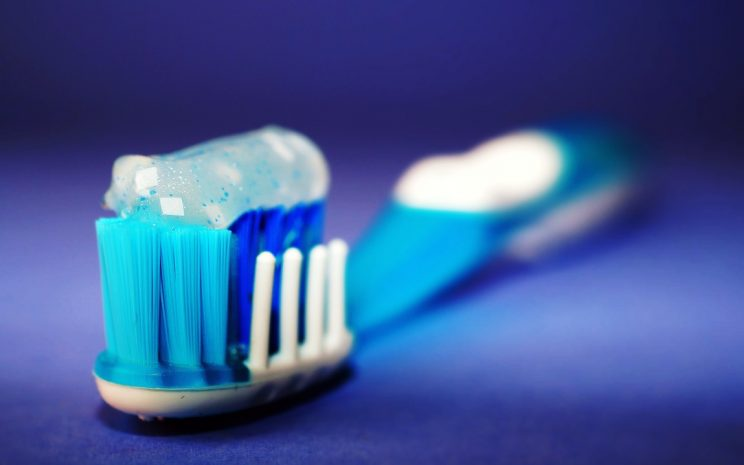 ba4122f45 Cómo cuidar mis dientes? Consejos para la salud bucal del adulto ...