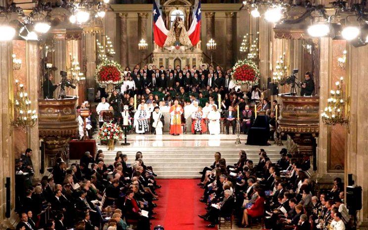 Te deum foto www.iglesiadesantiago.cl