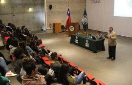 Jorge Araya Salfate durante su presentación ante la audiencia.