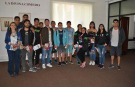 estudiantes visitan muestra