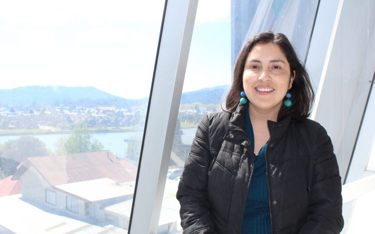 Karen mardones expuso sobre violencia de género en México.