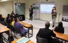 Presentación de dos alumnos del grupo Vestigium.