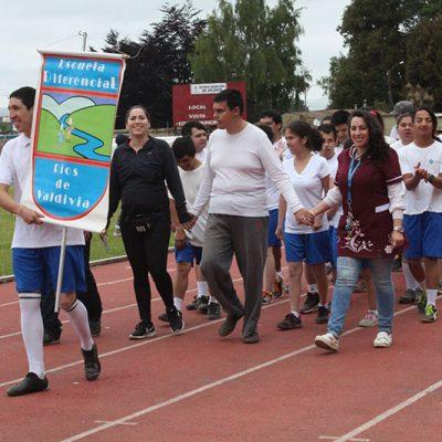 Alumnos en desfile