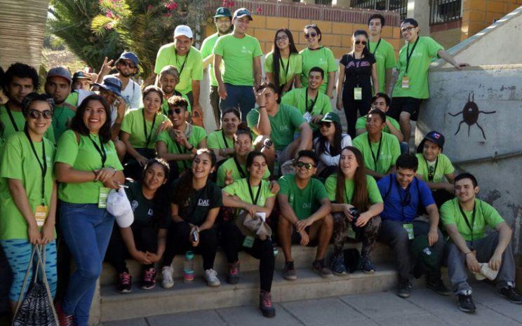 Foto grupal de estudiantes.