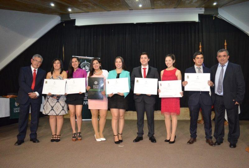 Titulados Pedagogía Educación Básica UST