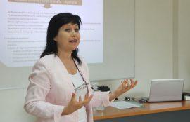Dra. Adriana Massaccesi durante sus clases.