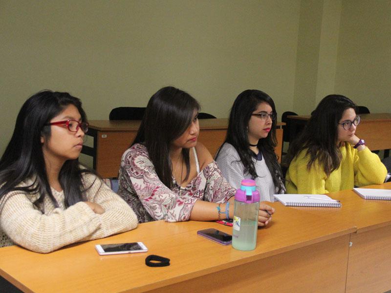 Grupo de 4 Alumnas de Educación Diferencial.