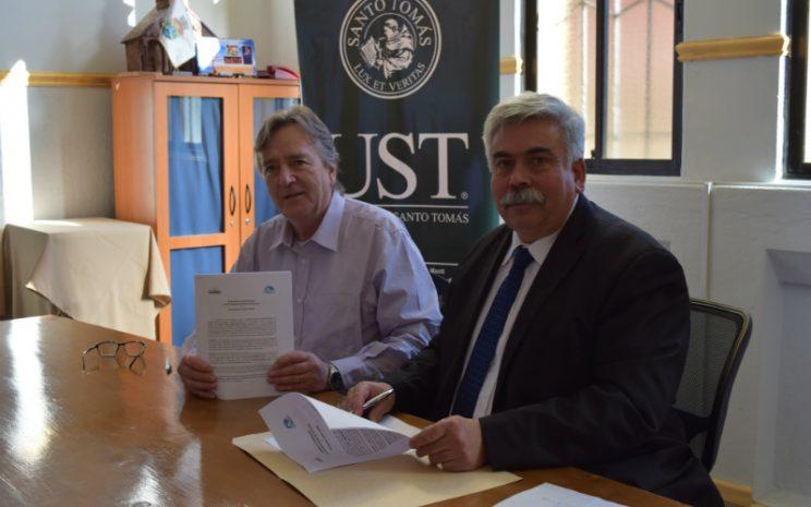 Firma Convenio Medicina Veterinaria- Municipalidad de Frutillar