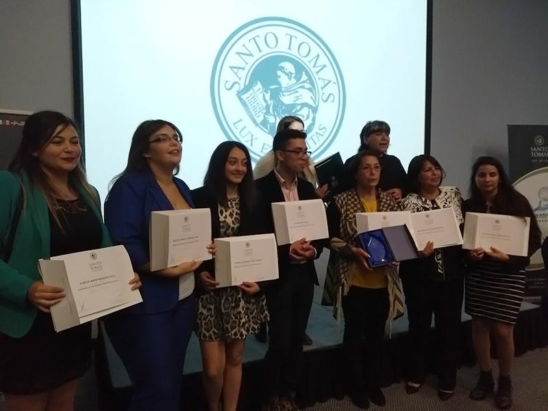 Ceremonia entrega diplomados profesores Santo Tomás Viña del Mar