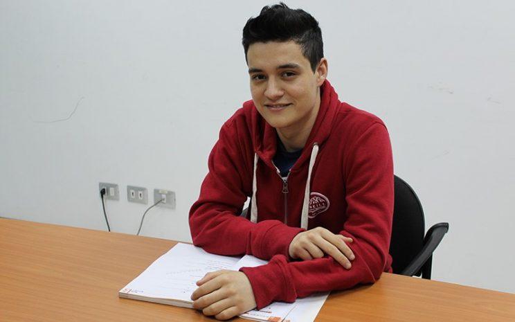 Nicolás es el único alumno de Antofagasta que viajará becado a China.