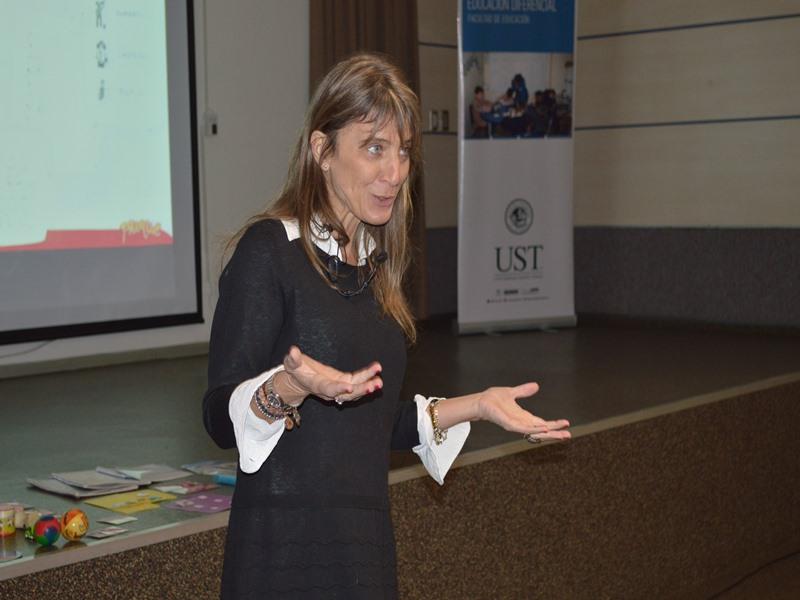 """Clelia Reboredo, expositora del seminario """"Autismo y Prácticas Exitosas"""""""