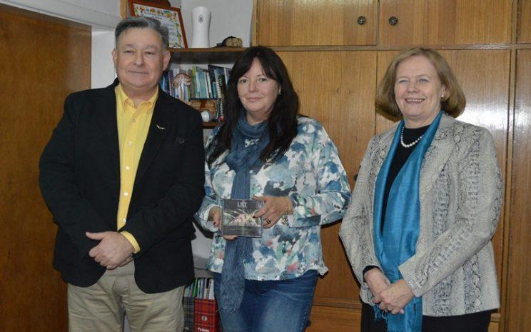 UST Temuco y Fauna Andina presentan libro a Seremi de Medio Ambiente Araucanía