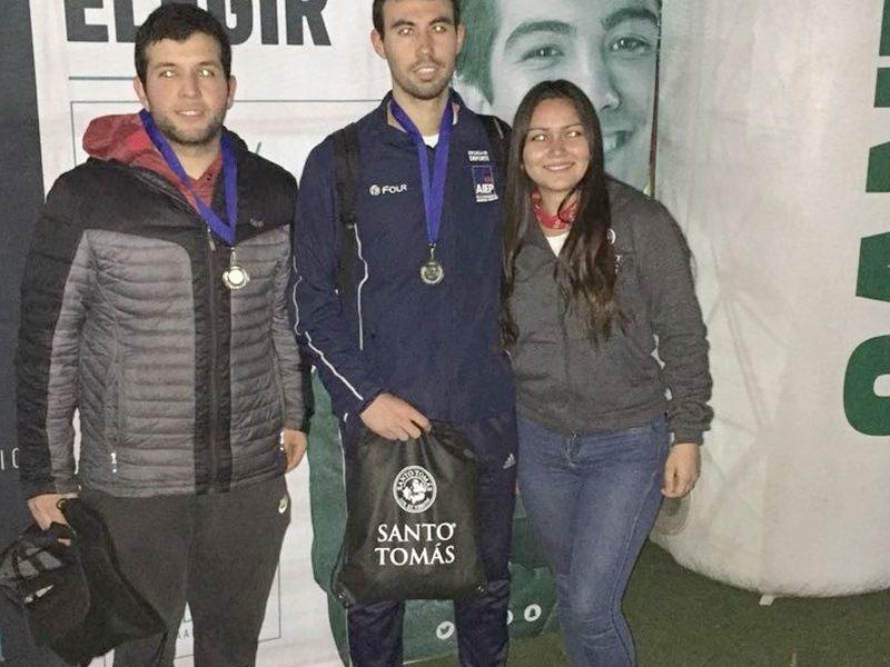 2° Lugar Fútbol Tenis, alumnos del Instituto AIEP.
