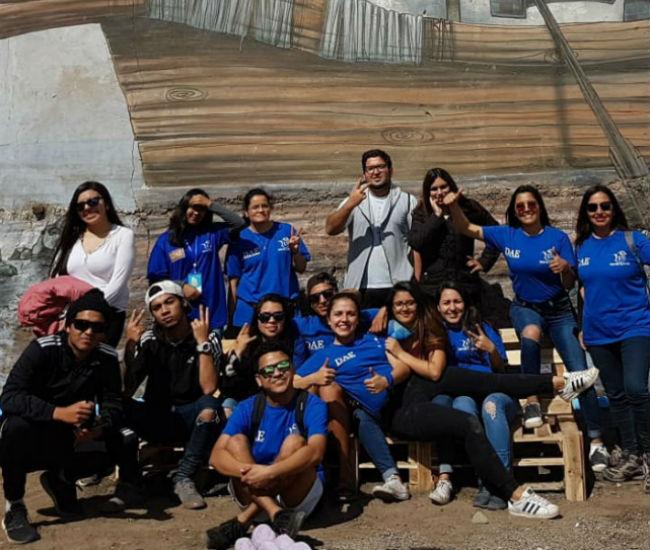 Más de 80 jóvenes participaron en el voluntariado.