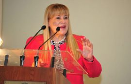 Ministra Angela Vivanco