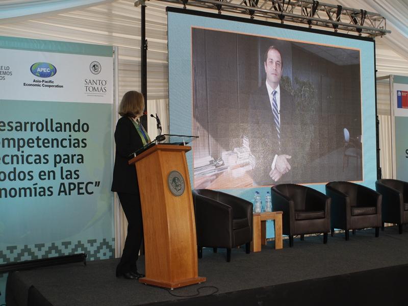 """Seminario """"Desarrollando Competencias Técnicas para Todos en las Economías APEC"""" en Santo Tomás Temuco"""