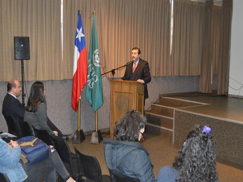Charla Educación Financiera de Sernac Araucanía para carreras Administración Santo Tomás Temuco