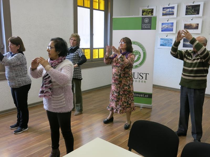 Adultos mayores viven la cultura china