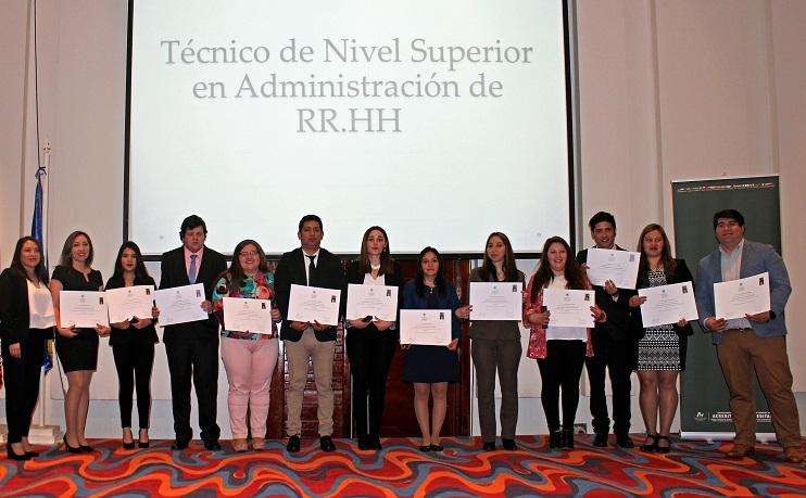Ceremonia Titulación Santo Tomás Punta Arenas