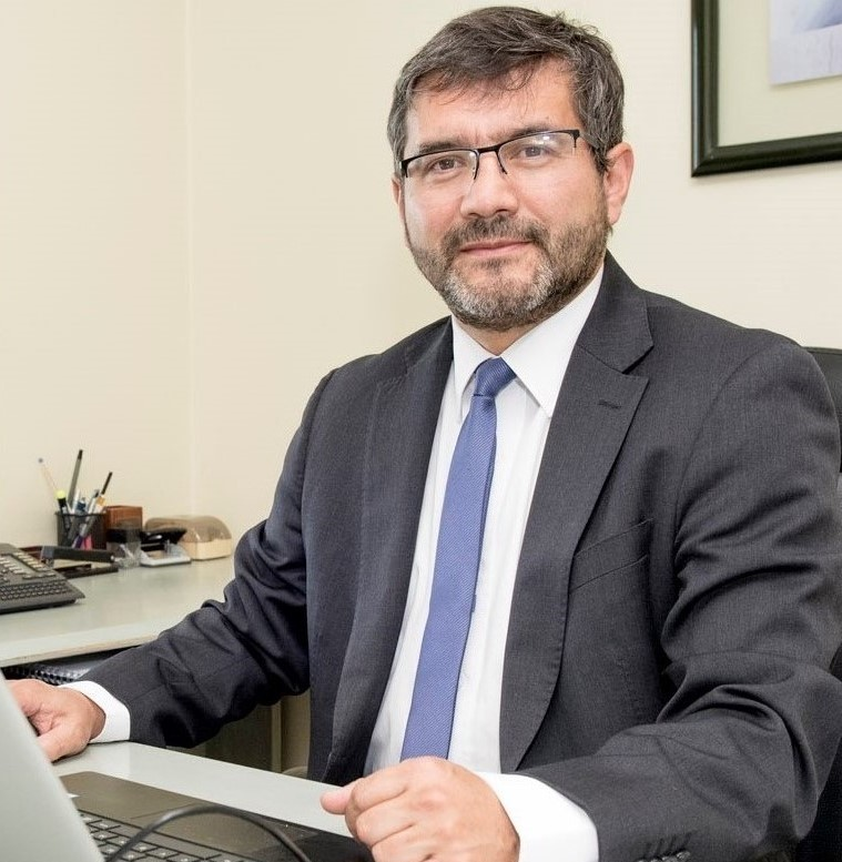 Juan José Negroni Vera, Decano de la Facultad de Ingeniería de Universidad Santo Tomás.
