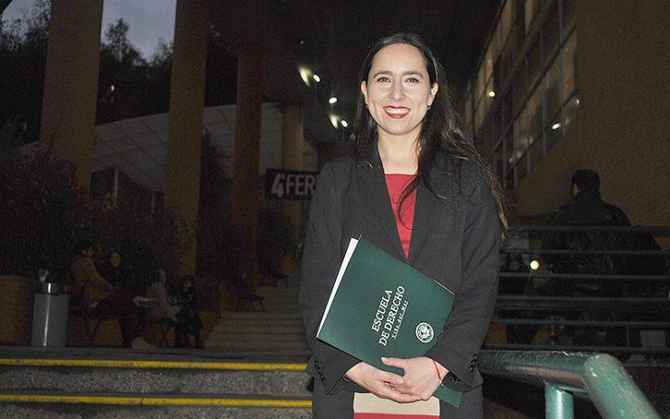 Daniela Méndez - Derecho