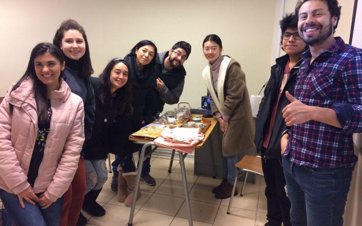 Los estudiantes celebran en IC