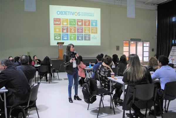 Estudiantes y académicos participan en Talleres de Ideación de Innovación Social